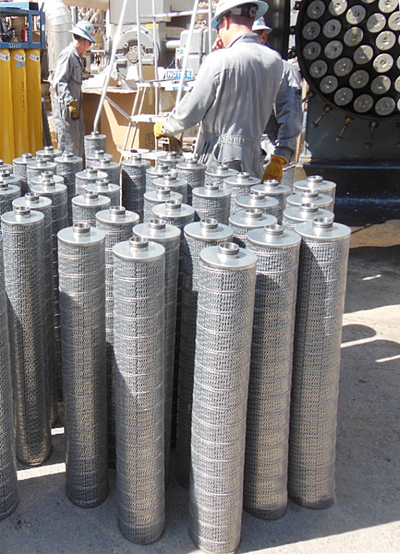 high temperature feed filter cartridges in a group